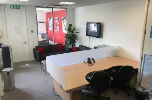 Desk Space Ideally Located on Soho Square – 1 to 4 desks available @£500 per desk per month