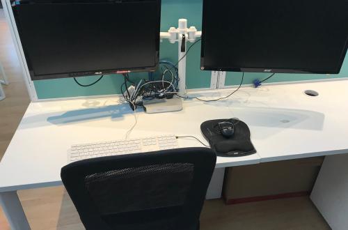 Picture desk